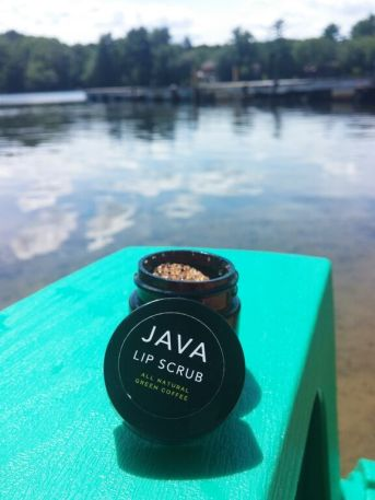lip scrub and lake
