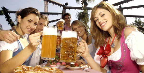 Oktoberfest-Girls-Full-HQ-Images-Free-Download-600x306